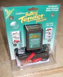 Battery Tender Junior 12V battery charger maintainer