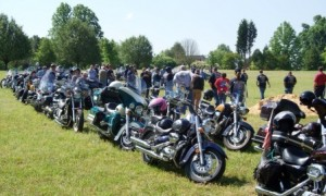 motorcycles at veterans memorial park