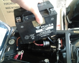 Removing Yuasa battery from Guzzi California